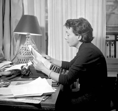 Marguerite Duras, 1955 © Lipnitzki—Roger Viollet / Getty Images